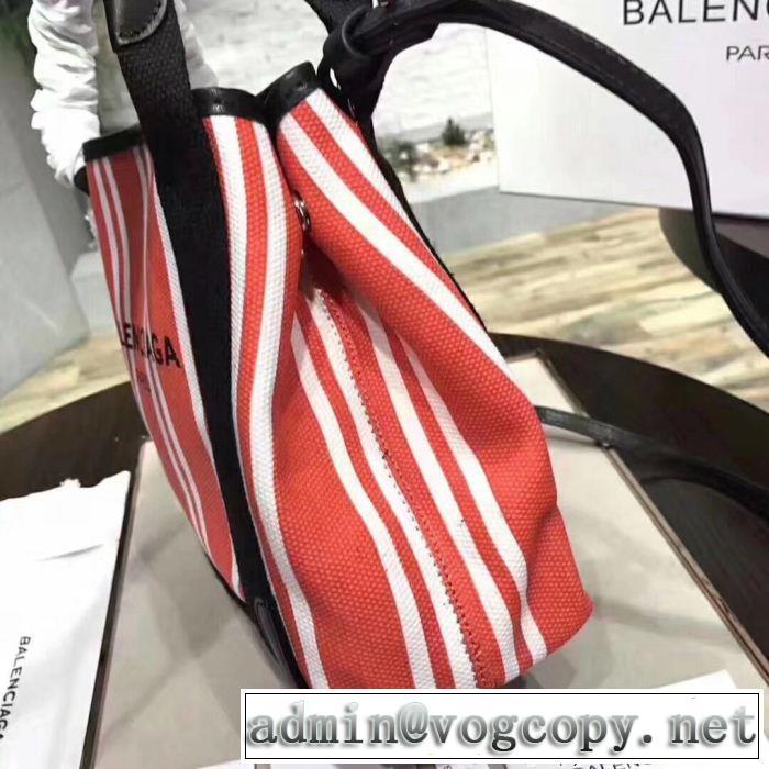 高級感漂うBALENCIAGAバレンシアガ偽物ショルダー付きレディーストートバッグ主役級のアイテム