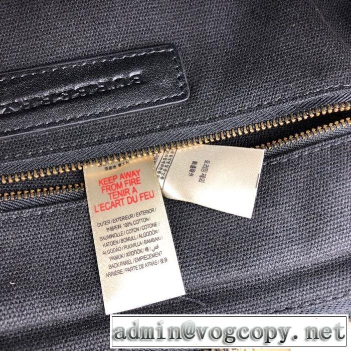 着こなしを楽しむ バーバリー BURBERRY 限定品が登場 ショルダーバッグ 2020年春夏コレクション