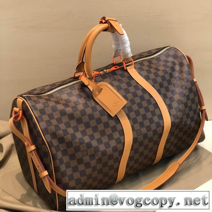 エレガントな雰囲気 ルイ ヴィトン LOUIS VUITTON おしゃれな人が持っている スーツケース