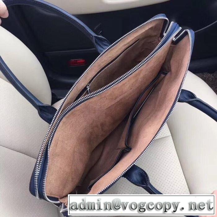 プラダ PRADA ファッションに取り入れよう ハンドバッグ  やはり人気ブランド
