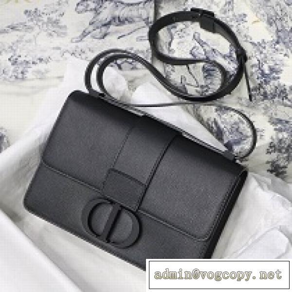 おすすめ人気ブランド紹介DIOR ディオール バッグ 30 Montaigne 黒 多彩な持ち方 洗練されたスタイリッシュさ